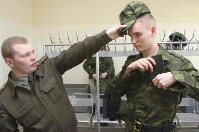 197_St-Petersburg-soldiers-676x450-676x450.jpg